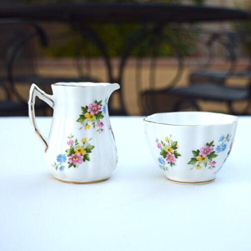 Elizabethan Fine Bone China England Cream and Sugar Set floral pattern vintage