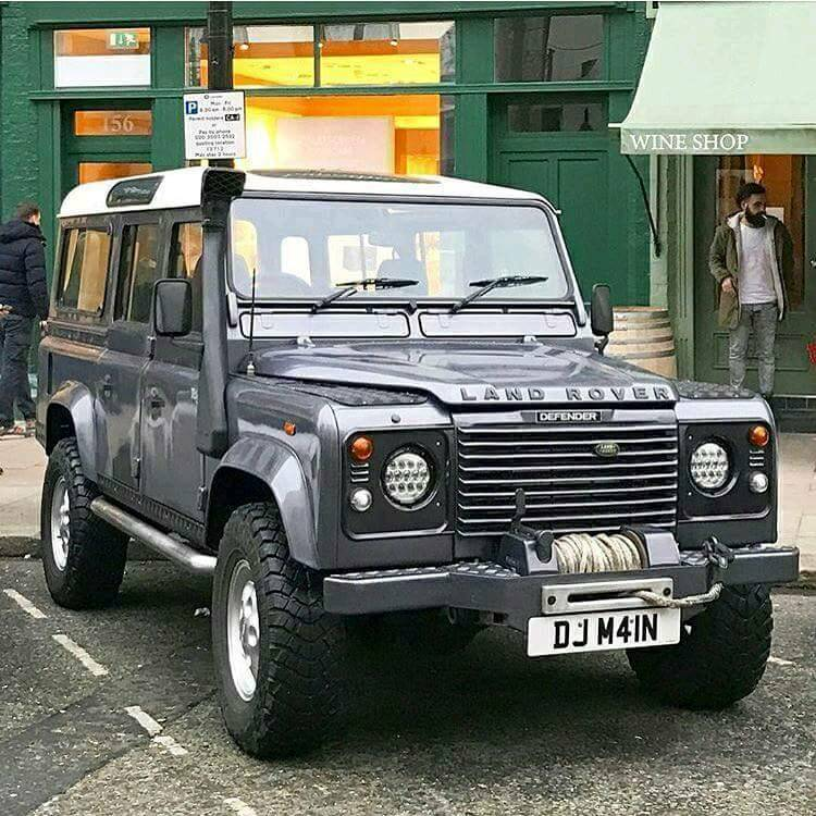 Landrover Defender 110 Td5 Special Vehicle 11 Seats