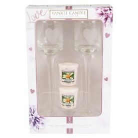 WEDDING YANKEE CANDLE SET WITH GLASSES BRAND NEW IN THE BOX GREAT FOR WEDDING GIFT