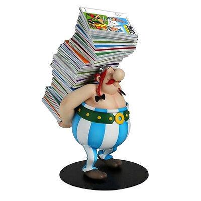 ASTERIX & OBELIX Obelix mit Bücherstapel Kunstharz Figur PLASTOY Neu (L)