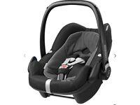 Maxi-Cosi Pebble Plus i-Size Baby Car Seat & ISOFIX Base