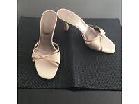 Beige mules with medium heel