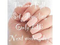 Full set acrylic nails