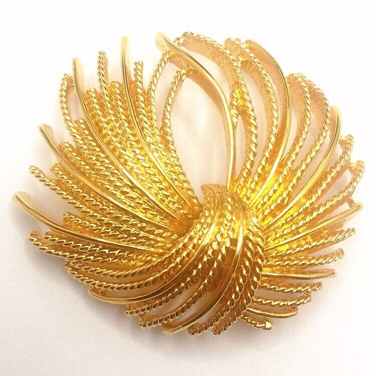 🌼Vintage Signed Monet Gold Tone Textured Abstract Flower Brooch Pin Lot B