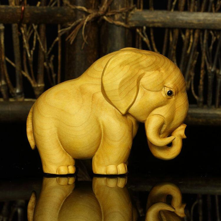 TB200 ---  7cm long Beautiful Carved Boxwood Carving : Elephant