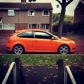 Ford Focus ST orange