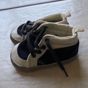 Baby Boys Baby Gap Shoes Size 6-12 Months EUC
