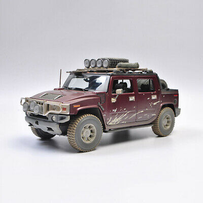 Maisto 1:18 Scale Hummer H2 SUT CONCEPT Red Diecast Car Model Dirty Version