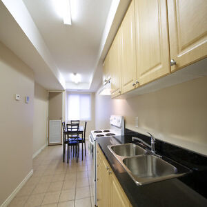 ATTN Students: Large Private Bachelor-Style Rooms! Ensuites! Kitchener / Waterloo Kitchener Area image 2