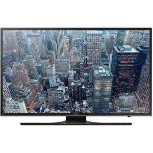 Samsung 60″ 4K Ultra HD HDR LED Smart TV in Mint Condition