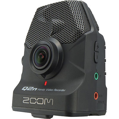 LIKE N E W Zoom Q2n Handy Video Camera - HDTV 1080p!Full Warranty!!  Dealer!!