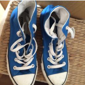 Size 5 Converse