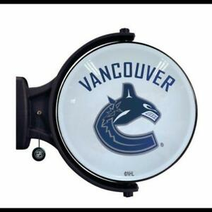 NHL Revolving Wall Light - Vancouver Canucks