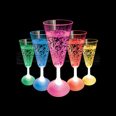 Light Up LED Champagne Glass Flashing Colour Change Party Cup (Plastic Color Changing Cups)