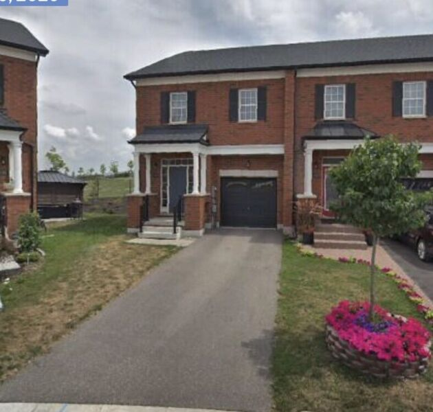 Impeccable 3 Bed End Unit Townhome For Lease In Milton