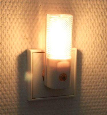 3 LED NACHTLICHT NACHTLAMPE ORIENTIERUNGSLICHT LEUCHTE mit DÄMMERUNGSSENSOR NEU