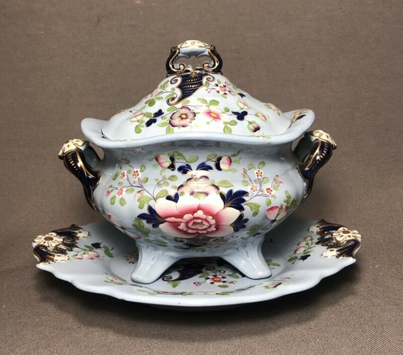 Early 19th Century Staffordshire Ridgway Blue Floral Imari Tureen