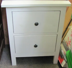Small 2-Drawer Bureau