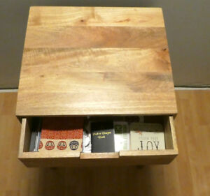 Side Table (e.g., for living room, bedside, entry way)