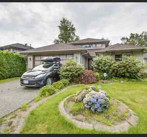 $2400 / 3br- Upper Floor of a Big Luxurious House in Maple Ridge