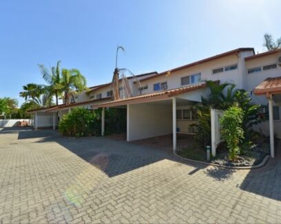 2 bedroom townhouse for sale, pool, walk in robe, close to town
