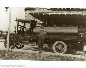Vintage-Gasoline-Delivery-Truck-1920-Gas-Tanker-Truck-Michigan-Oil-Company-LOOK