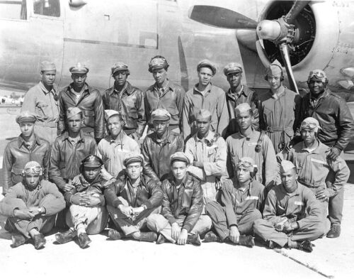 TUSKEGEE AIRMEN CLASS 1945-Group Photo-Black Fighter & Bomber Pilots-11x14 PHOTO