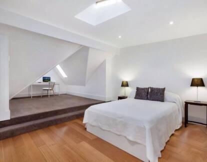 Huge double bedroom in remodelled terrace in Lilyfield