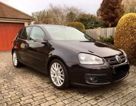 VW GOLF GT SPORT 140 - 2.0L DIESEL WITH LEATHER & FULL HISTORY (ENGINE ONLY HAS 18K MILE ON IT)