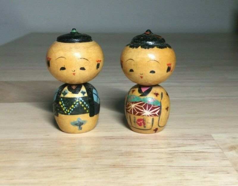 Vintage Kokeshi Stylized Miniature Wooden Boy And Girl Bobblehead Figurines