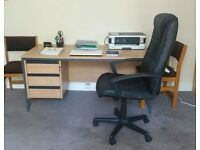 High Quality Office Desk with Luxury Leather Operator Chair and Whiteboard
