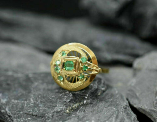 Early Retro Era Vintage Engraved Antique Ring 14k Yellow Gold Over 1.4Ct Emerald