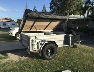 Camper trailer Clifton Beach Cairns City Preview