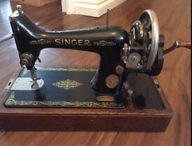 """*MUST GO TODAY / TOMORROW* Genuine """"Singer"""" Sewing Machine"""