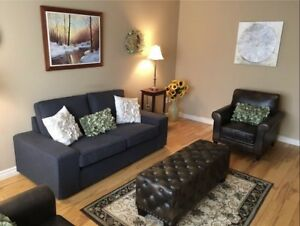 Stunning 3+2 bungalow-St. Catharines-Aug 1