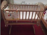 COSATTO swing crib pet and smoke free house- new washed Mattress FREE