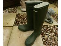 Size 5 Barbour Welly boots.