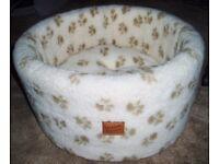 Luxury Cat/Kitten Cosy Bed Cushion - Cream with Fleece Paw Print Danish Design