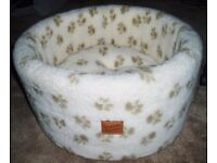 Luxury Cat/Kitten Cosy Bed Cushion - Cream with Fleece Paw Print Danish Design