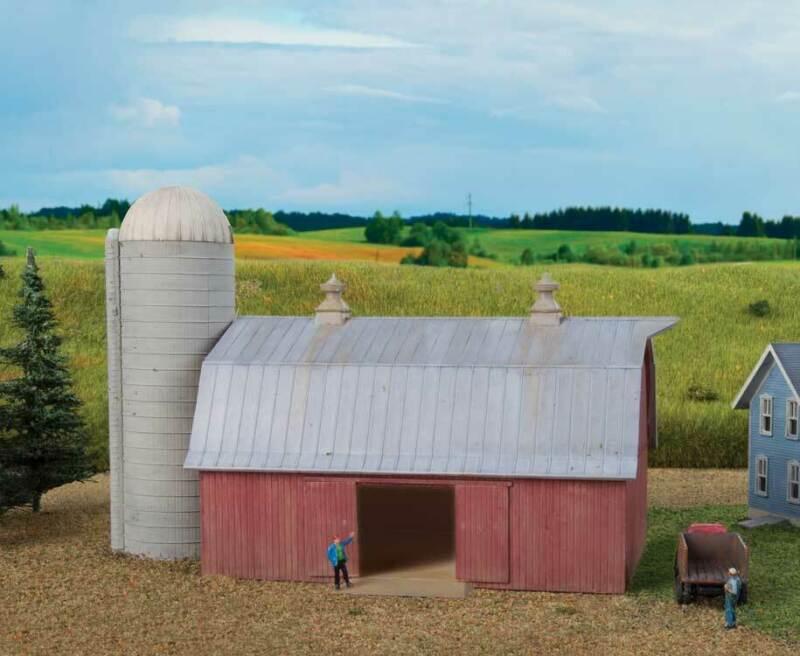 Walthers Cornerstone N Scale Building/Structure Kit Meadowhead Barn/Farm Silo