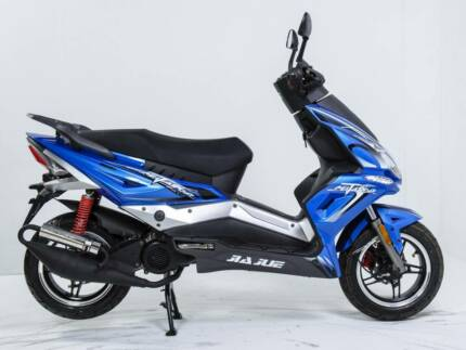 2017 MATADOR 50cc SCOOTER, RIDE ON CAR LICENCE, BRAND NEW