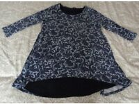 Ladies Long (M&S Collection) Top - Size: 10-12