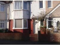VERY SPACIOUS 1 DOUBLE BEDROOM HOUSE SHARE TO LET IN MITCHAM CR4 SOUTH LONDON RENT AVAILABLE NOW