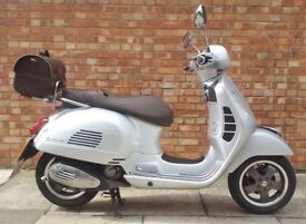 Piaggio Vespa GTS 125cc (17 REG), 70th years aniversery adition, Less than 6 months old!