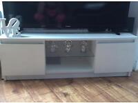 White gloss tv unit