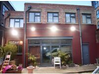 Massive 3 Bed Warehouse Apartment Flat Studio Outside space!