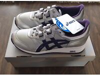 ASICS Gel - Epirus BRAND NEW Light Grey / Blackbery Cordial - womens UK size 5 (Euro 38)