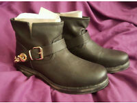 BNB Western/Biker/Cowboy Boots size UK5 US6 EU38 *NEW*