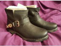 BNB Western/Biker/Cowboy Boots size 6 *NEW*
