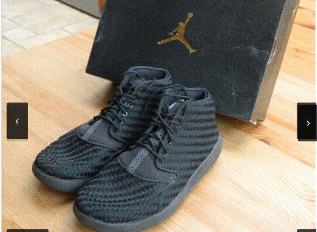 e9152e8f37fc5f Nike Jordan Eclipse Chukka Black - Size 8.5